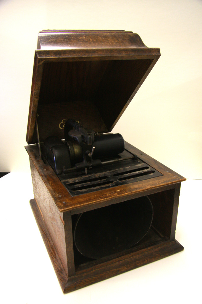 44 - phonograph with white